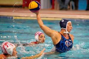 El Waterpolo es un deporte acuático y por equipos