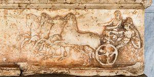 Existe una Campeona Olímpica de los Juegos Olímpicos de la Antigüedad, como propietaria de una cuádriga