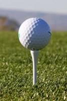 ¿Qué es el tee en golf?