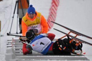 En Biatlón Paralímpico, todos los disparos se hacen en posición boca abajo