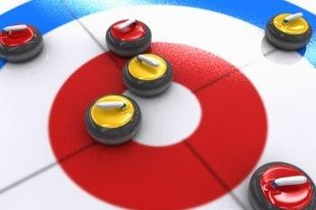 En Curling Puntúan las piedras más cercanas al centro de la casa y de un mismo color