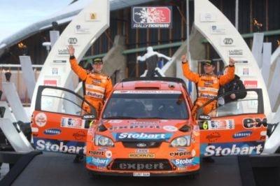 La ceremonia de salida de un rally no forma parte de la competición