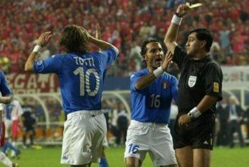 El Mundial Corea y Japón 2002 se caracterizón por los posibles amaños arbitrales
