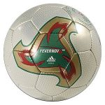 Fevernova, el Balón del Mundial Corea y Japón 2002
