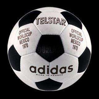 Telstar 1970 con 32 paneles blancos y negros
