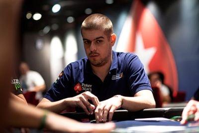 Javier Domínguez jugando al Poker