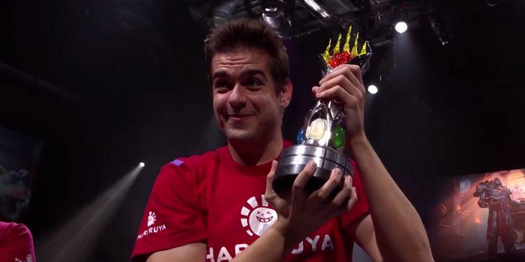Javier Domínguez Campeón del Mundo de Magic 2018