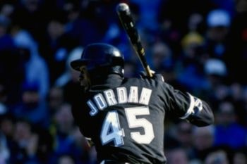 Michael Jordan durante un partido de Béisbol