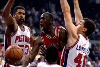"""Michael Jordan y los Bulls perdieron tres veces consecutivas frente a los Pistons y sus """"The Bad Boys"""""""