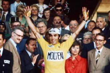 Eddy Mercks celebrando su 5º Tour de Francia