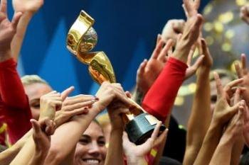 Trofeo del Mundial Femenino de Fútbol. La selección ganadora se lo queda en propiedad