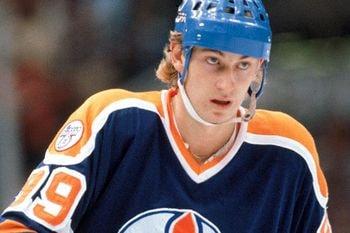 Wayne Gretzky empezó a jugar en la WHA por una limitación de edad de la NHL
